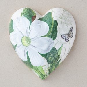 Heart Hanging Magnolia white