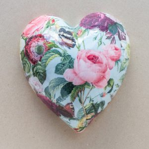 large heart  – pink roses – turquoise