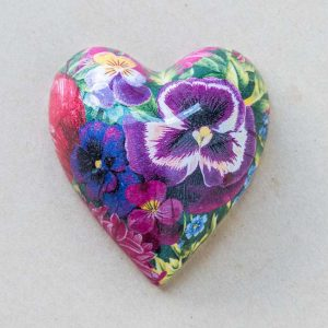 small heart – bright pansies