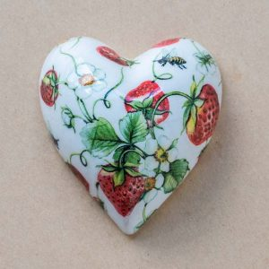 Small Heart – strawberries – bees